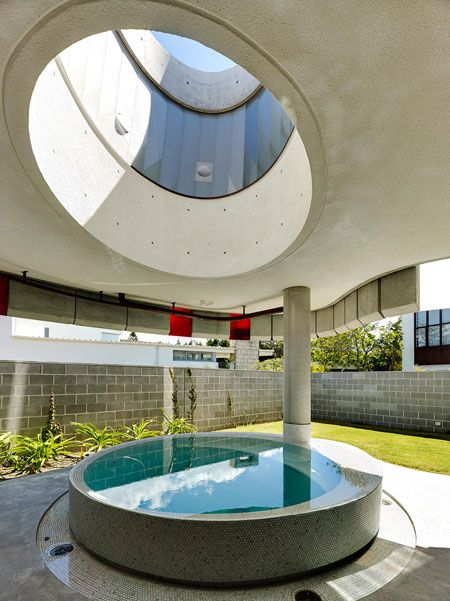 light house / peter stutchbury architecture / round pool