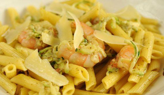 Pasta con Zapallitos Italianos, Albahaca y Camarones