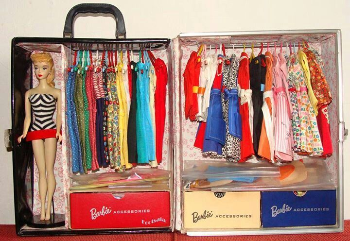 Vintage Barbie case, my baby sis LOVED Barbie and had this