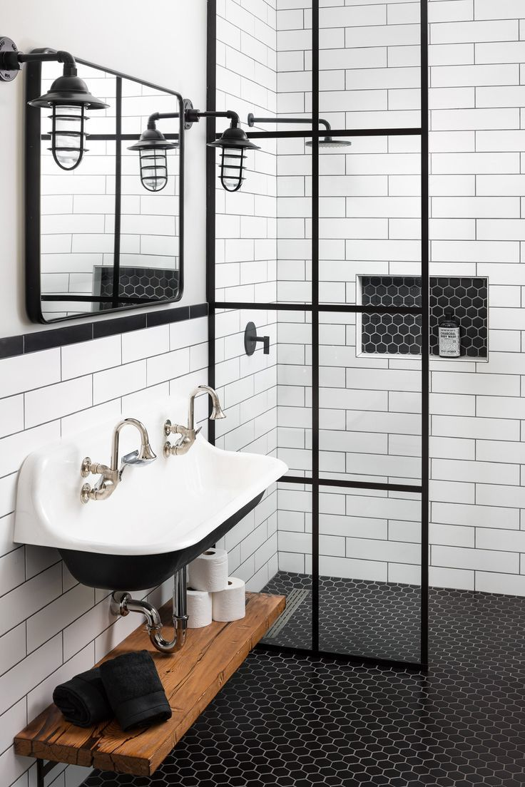 Contemporary Bathroom Ideas Subway Tile Shower With Black Frame Shower Door And Farmhouse Sink With Images Farmhouse Bathroom Black Shower Doors Black White Bathrooms