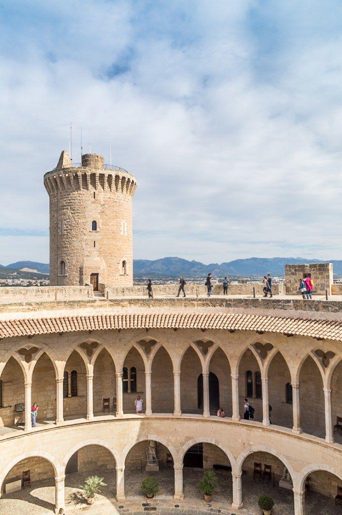 Castell de Bellver Palma de Mallorca kostenloses Sightseeing am Sonntag