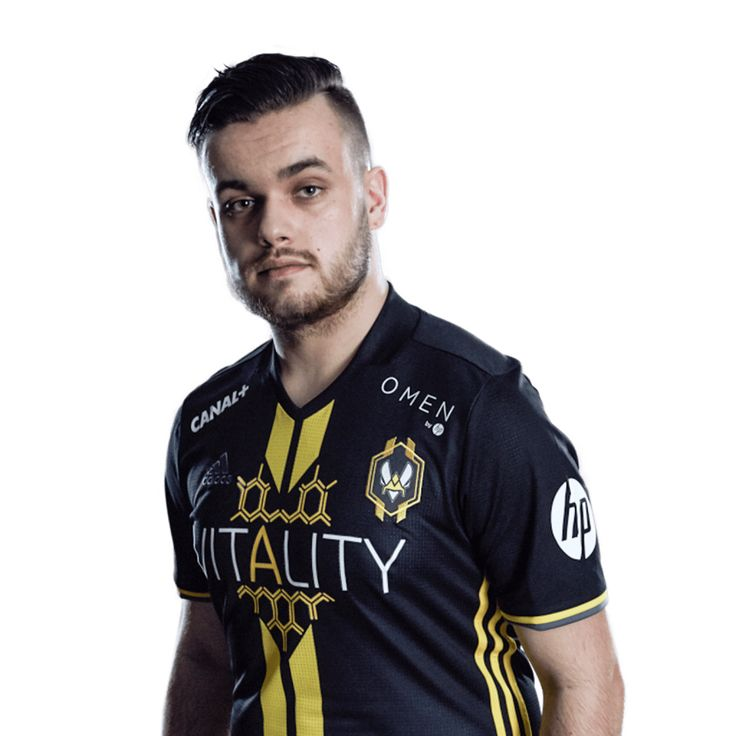 FUT Champions Cup Barcelona Day 2  Rockyy Crashes Out