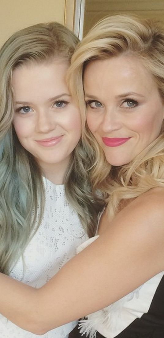 Reese Witherspoon, Daughter Ava Phillipe