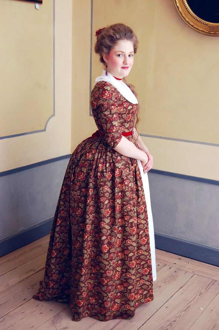 Rococo Atelier - Brown floral print gown
