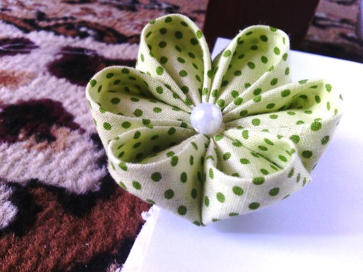 green kanzashi, my first kanzashi ^,^