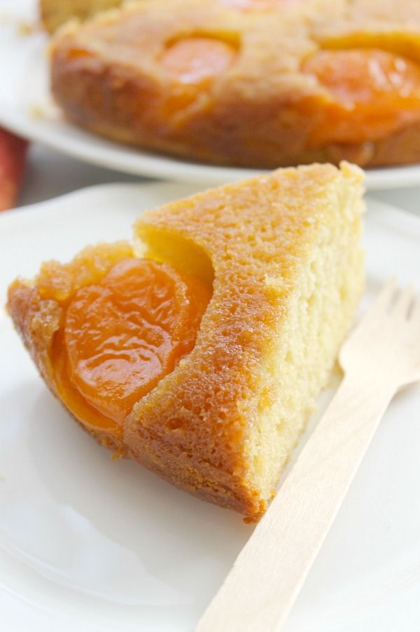 An easy spring dessert full of apricot flavor! This Upside Down Brown Sugar Apricot Cake is the perfect spring dessert!