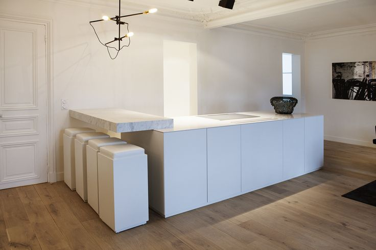 Contemporary kitchen with marble by capo-architectes  web site: www.capo-architectes.com