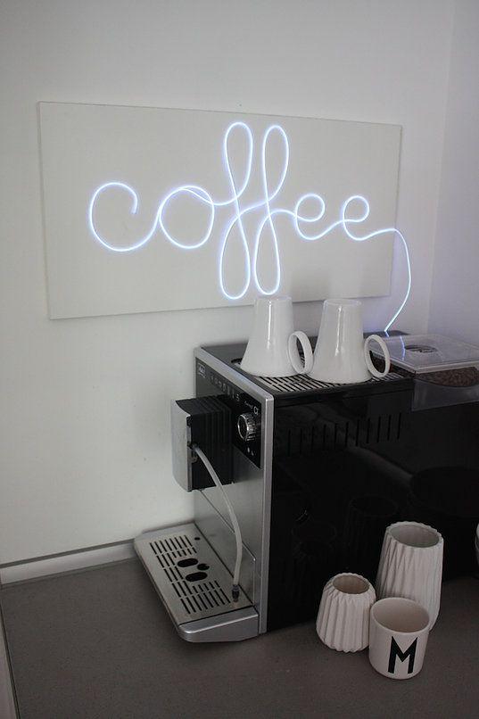 die besten 25 leuchtreklame ideen auf pinterest neon. Black Bedroom Furniture Sets. Home Design Ideas