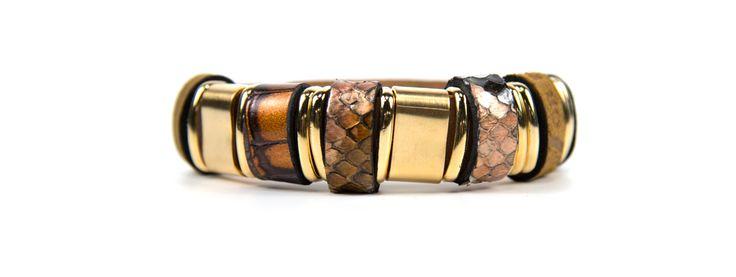 Job1986 armband #giftinspiration #bracelet #job1986 http://www.assem.nl/accessoires/damesaccessoires/sieraden/job-1986/goud/armandje/7070.91.109068/