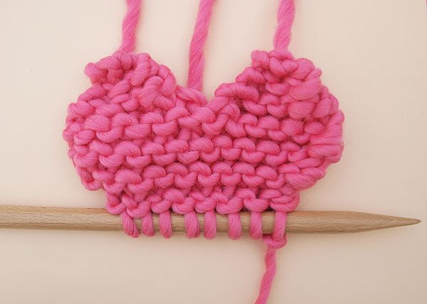 Free pattern: yarn hearts | We Are Knitters Blog