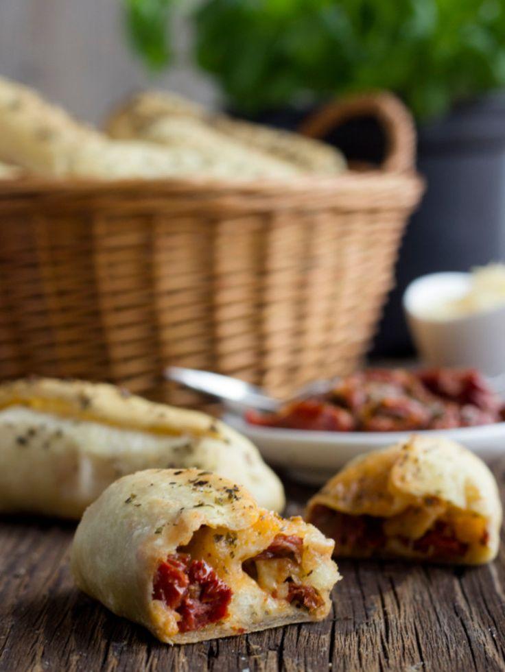 Fingerfood_Silvester_Pizzabroetchen-mit-dreierlei-Fuellung_MarasWunderland