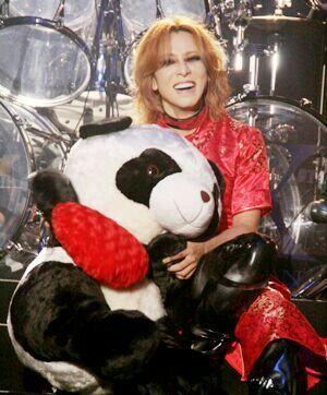 Yoshiki cuddling an X-Japanda!