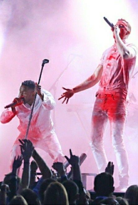 Video: Imagine Dragons - Radioactive ft. Kendrick Lamar (Live @ the Grammy's 2014)