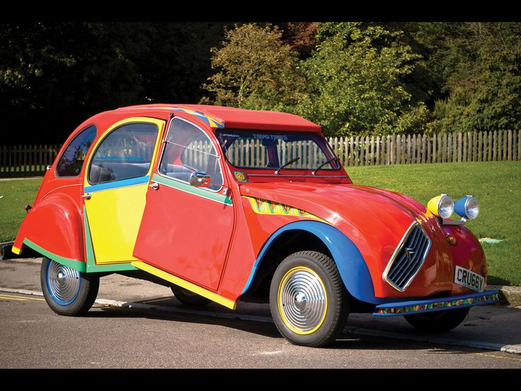 """Citroën 2CV """"Picasso"""".  44-year-old mechanic Andy Saunders spent six months turning an aged Citroën 2CV into a cubist work of art inspired by Picasso's Portrait of Dora Maar."""