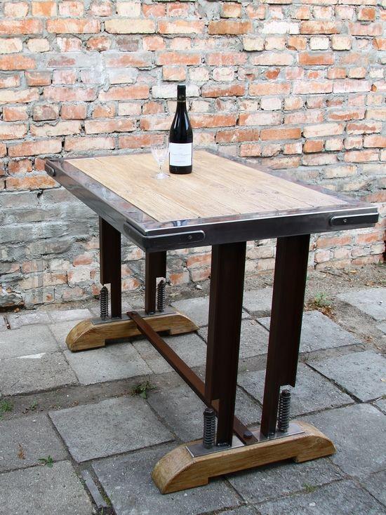 Stół loft ze stai i drewna
