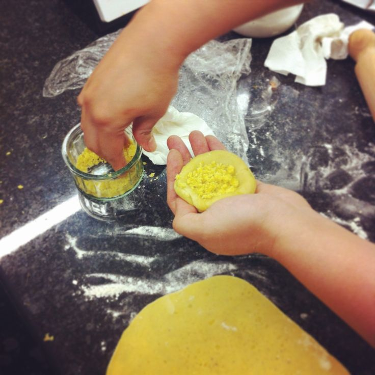 Filling dhall puri at Taste Mauritius cookery class #mauritian #london