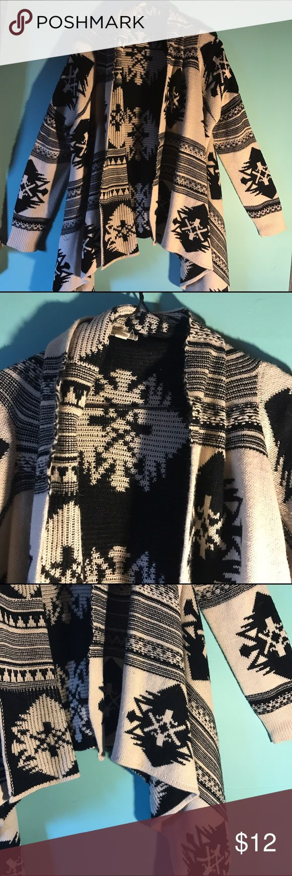 TRIBAL PRINT CARDIGAN thick cardigan with black pattern Sweaters Cardigans