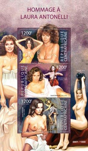 CA15324a  Laura Antonelli (Il Merlo Maschio 1971, Malizia 1973)
