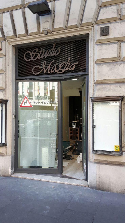 Arredamento realizzato per Studio Maglia in Via Cola di Rienzo,48 Roma, nuove strutture, colori più caldi, pavimento doc, specchiere contemporanee....#gsnsolopernumeriuno#