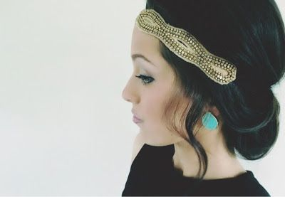 the domestic diva diaries: headband hair tuck, quick 5 minute hair style
