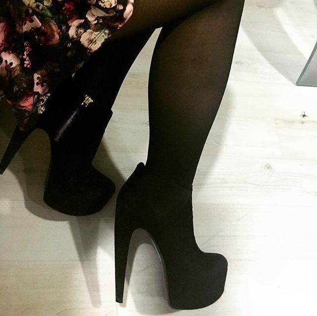Suuuuper altos #amados #ninewest #highheels #Shoes  #booties