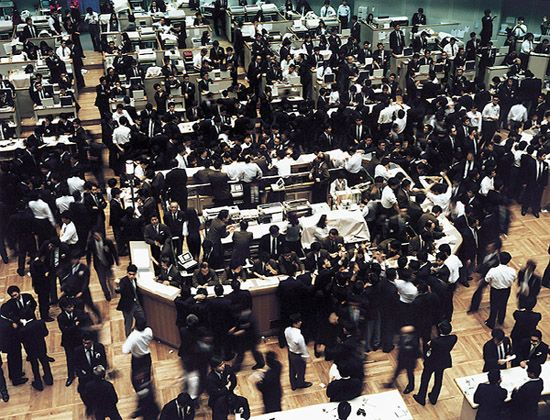 Tokyo Stock Exchange | 1990 | photo © Andreas Gursky