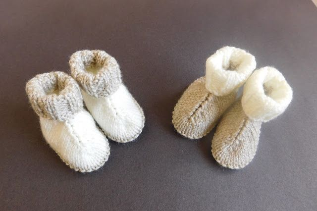 Knitted Baby Hug Boots with Free Pattern