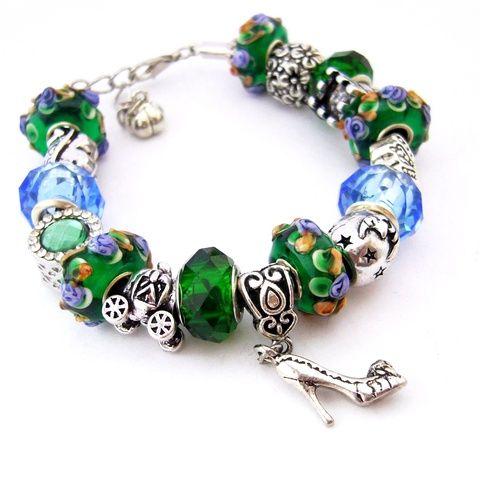 Hamupipőke bálba megy! - meseszép smaragdzöld és kék virágos karkötő pandora stílusban cipővel (ButterflyJew) - Meska.hu