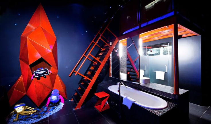 Wanderlust Hotel, Singapore - yes, this is an actual hotel room!