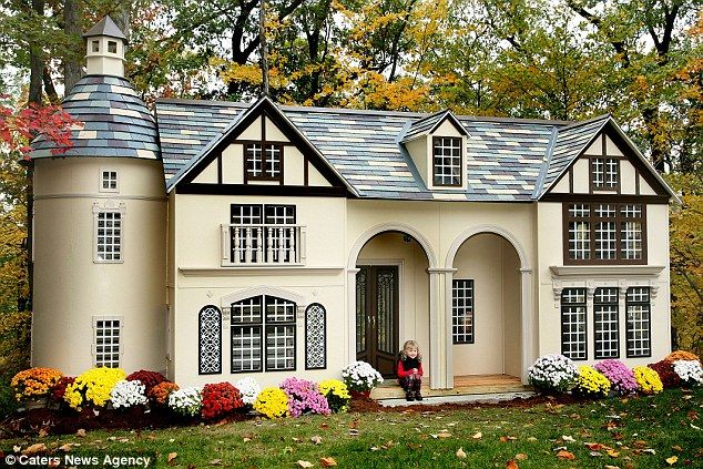 A Lilliput Homes Childrens Mansion A Mini Mansion For