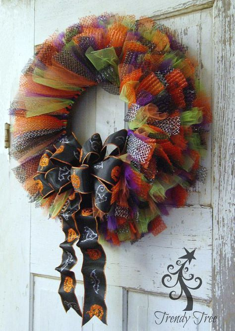 Halloween Tulle & Ribbon Wreath Tutorial - Trendy Tree Blog