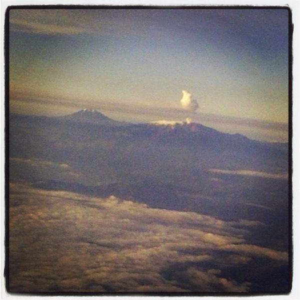 Nevado del Ruiz - Colombia.  Las maravilllas que se pueden apreciar desde un helicóptero!
