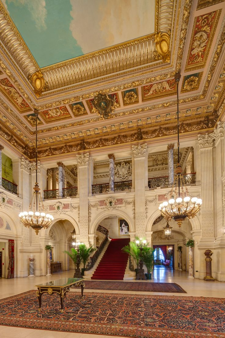 great hall of the breakers mansion in newport rhode island usa 1893
