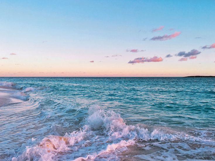 sunrise on paradise island bahamas