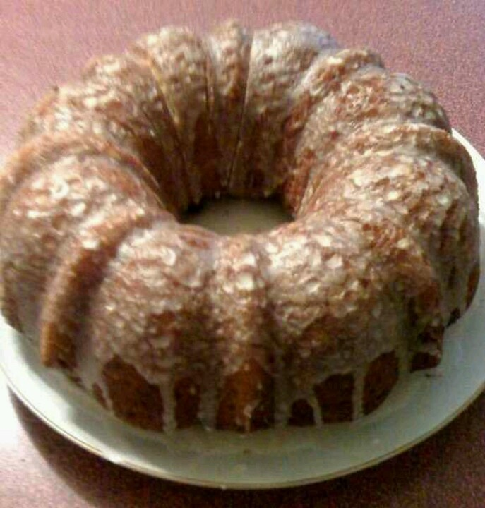 Honey Bun Bundt Cake