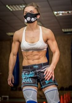 seriously fit Russian stawweight MMa fighter Aleksandra Albu : if you love #MMA, you will love this #MixedMartialArts and #UFC Ab workout | www.FightersAbsHQ.com