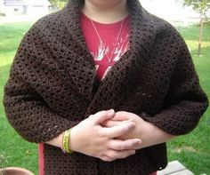 This free easy crochet pattern is great for those who are just beginning to crochet. This shawl is great for any time of year even a nice summer night.