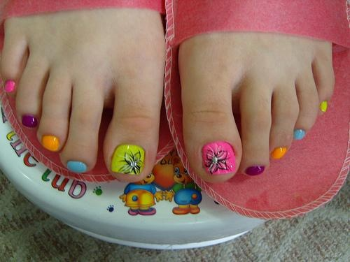 21 best nail art images on pinterest kid nails beauty and children summer toes i like the pink and flower prinsesfo Choice Image