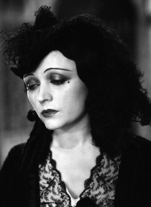 Pola Negri photos | First Femme Fatale is Polish born actress, Pola Negri (Barbara Apolonia Chalupiec)