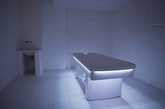 Vivaldi SPA bed, the vibro musical massage bed in a bath of colors #cromoterapy