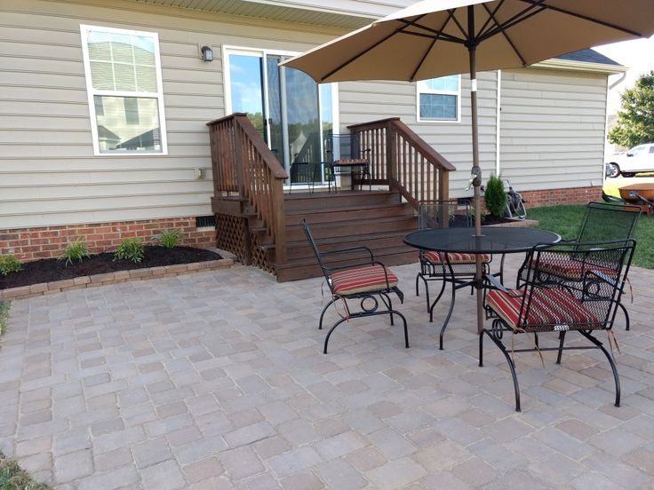 Mini Deck/paved Patio