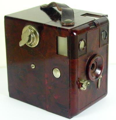 Merit Box Camera Bakelite Germany 1933 Rare Red