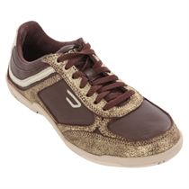 Diesel Maysport Gold Chocolate Trainer Fashion Trainers http://www.comparestoreprices.co.uk/shoes/diesel-maysport-gold-chocolate-trainer.asp