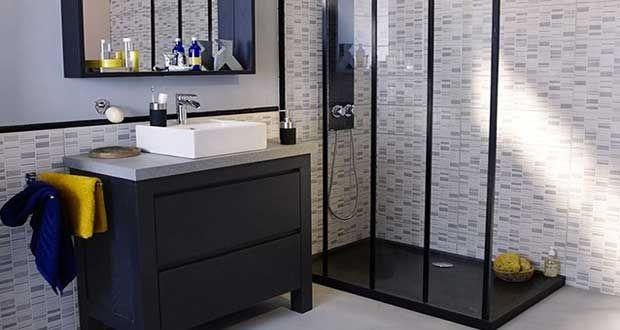 Malgré le manque d'espace, unepetite salle de bainpeut avoir une déco charmante. Avec des astuces d'aménagement, une couleur adaptée, une petite baignoire ou une douche italienne design, la salle de bain dispose du confort d'une grande. En 15 photos inspirant des idées déco, découv