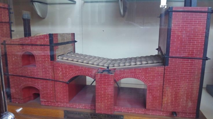 Museo Histórico-Minero - Maqueta del horno de aludeles, de Lope Saavedra Barba…
