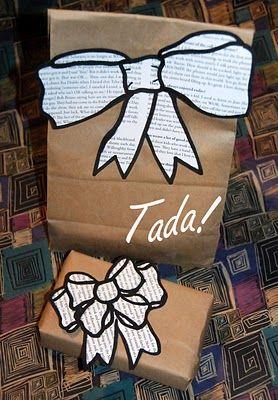 Lazos perfilados con papel de periódico reciclado - DIY: Paper Bows. Cute idea.