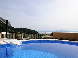 www.croatiatours.hr/+Low+Price+-+Garantie/+Ferienhaus+mit+Pool/+2+2++Personen+++Ferienhaus in Kroatien von @homeaway! #vacation #rental #travel #homeaway