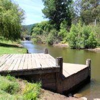 Porepunkah - Mt Buffalo Victoria : The perfect park side swimming hole : Alpine Valley Getaways