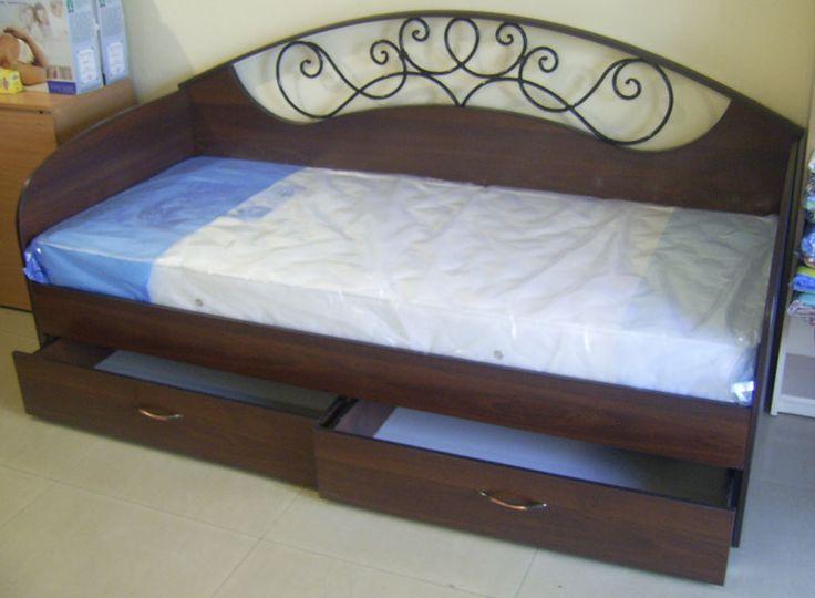 Односпальная кровать с боковой спинкой - фото.             Односпальная кровать с выдвижными ящиками, своими руками.