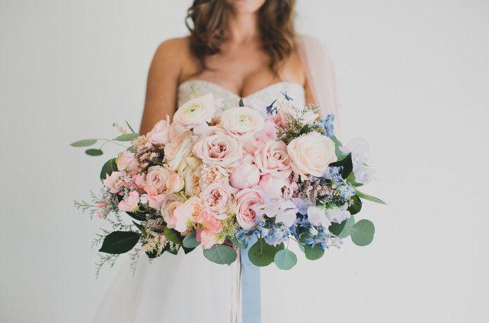 Trendfarben in der Hochzeitsdeko, Foto von Katie Pritchard Photography | http://www.hochzeitsplaza.de/hochzeitstrends/trendfarben-in-eurer-hochzeitsdeko | #pantone #farbpalette #hochzeit #trends
